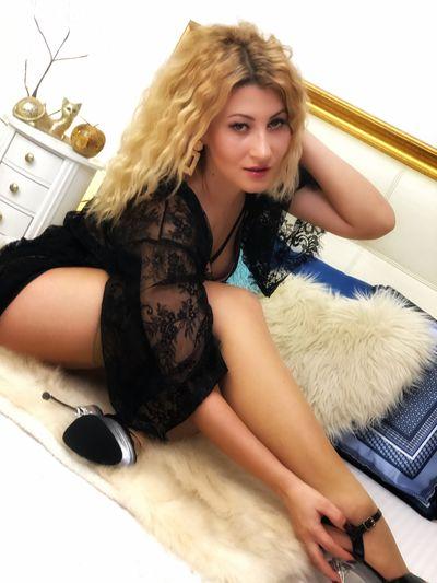 Nona Hauser - Escort Girl from St. Louis Missouri