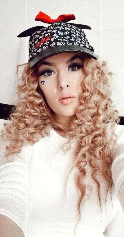 Laura Bacote - Escort Girl from Springfield Massachusetts