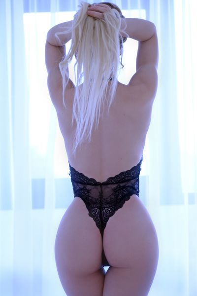 Laura Bacote - Escort Girl from Springfield Massachusetts