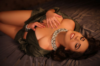 Brunette Escort in Fort Wayne Indiana