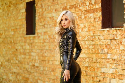 May Taylor - Escort Girl from New Orleans Louisiana