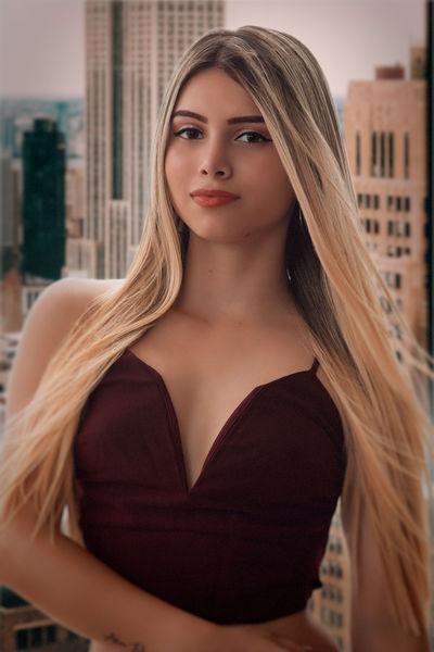 Karen Ledoux - Escort Girl from Springfield Missouri