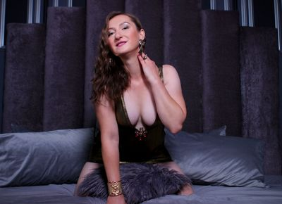 Jullia Gray - Escort Girl from Buffalo New York