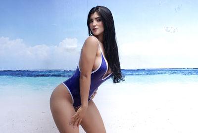 Julia Vasques - Escort Girl from Elgin Illinois