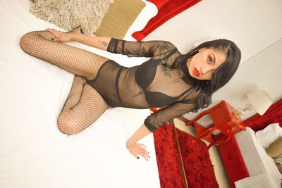 Katy Ussha - Escort Girl from Burbank California