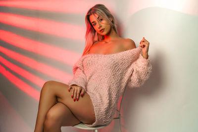 Jennifer Saldana - Escort Girl from Elgin Illinois