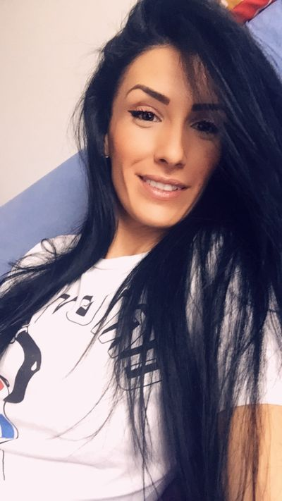 Linda Schoen - Escort Girl from Springfield Massachusetts