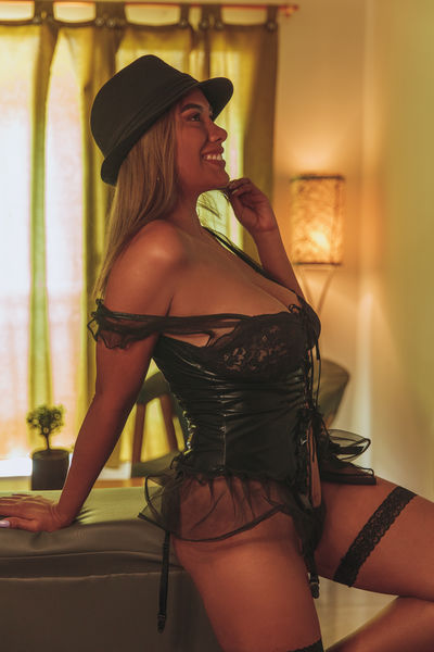 For Couples Escort in Glendale Arizona