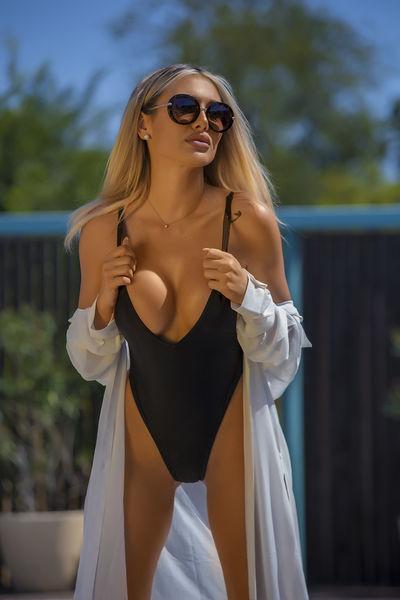 Susan Pruitt - Escort Girl from St. Petersburg Florida