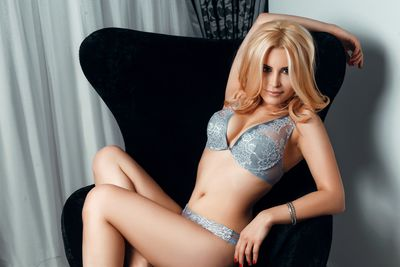 Yanira Lovelyn - Escort Girl from Boston Massachusetts