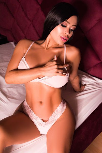Caucasian Escort in Jersey City New Jersey