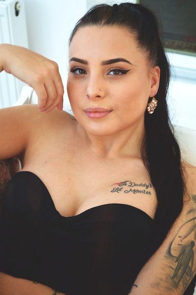 Debbie Russ - Escort Girl from Bridgeport Connecticut