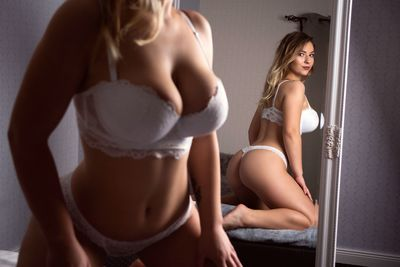 Diane Seton - Escort Girl from Springfield Illinois