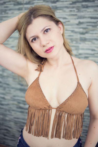 Eliza Monne - Escort Girl from Springfield Illinois
