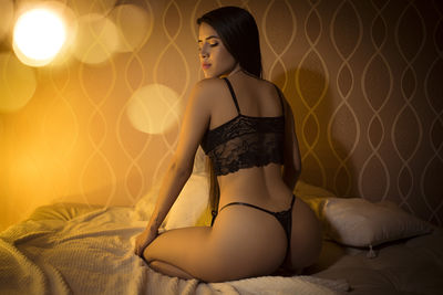 Evelynt - Escort Girl from Springfield Illinois