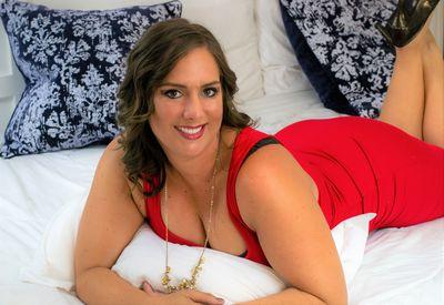 Giana Easton - Escort Girl from Grand Rapids Michigan