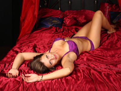 Helen Shine - Escort Girl from St. Louis Missouri
