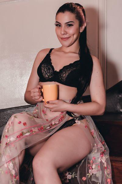 Loretta Ferrer - Escort Girl from Buffalo New York