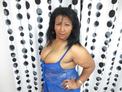 Pacific Islander Escort in Elgin Illinois