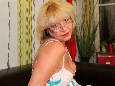 Matur Blonde - Escort Girl from Buffalo New York