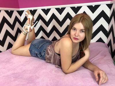 Monica Mo Liv - Escort Girl from Burbank California