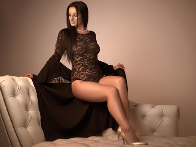 Vale Gastrell - Escort Girl from Springfield Illinois