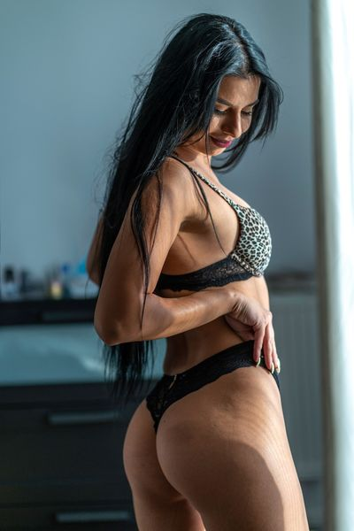 Shinny Linette - Escort Girl from Stamford Connecticut