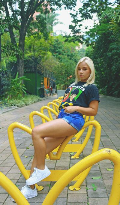 katya Ivanov - Escort Girl from Peoria Illinois