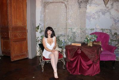 leonese - Escort Girl from Burbank California