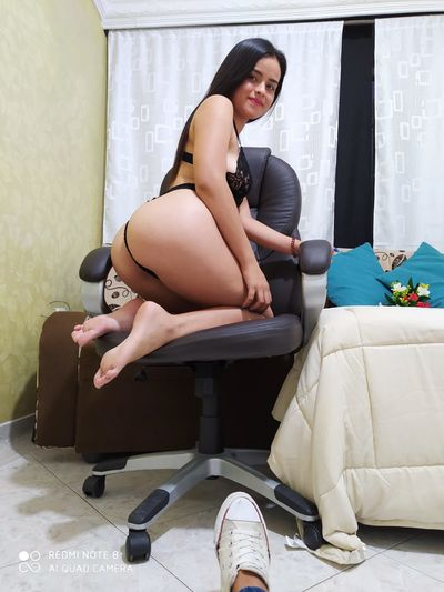 momyoung - Escort Girl from St. Louis Missouri
